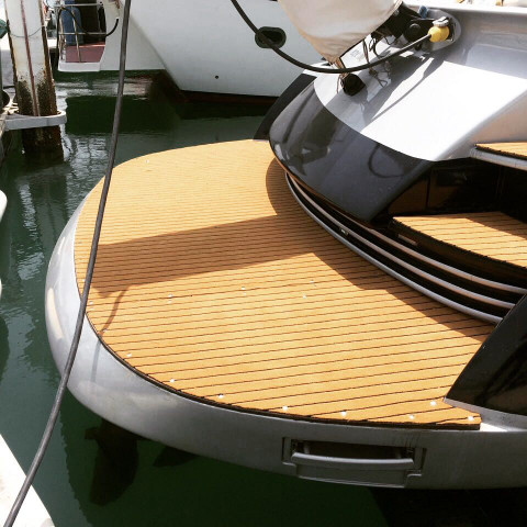 Marine Tuft